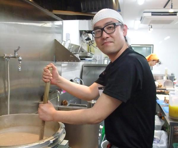 麺匠たか松 KAWARAMACHI リーダー 田中 信行さん(34才)