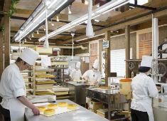 ルジャンドル 求人 一人ひとりのスペースが広くケーキ作りに集中出来ます。