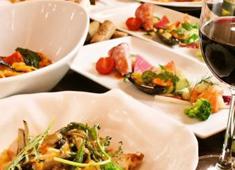 BISTRO&CAFE Le FIGARO 大丸梅田店 求人 コース料理から大人気洋食プレート、こだわりワッフルも人気メニュー!