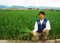 株式会社リ・ライフ 求人 こだわりの食材を提供していただく生産者さんとの現地研修も。繋がりを深めています。