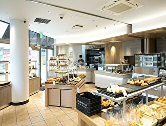 Boulangerie et Cafe Pere et Mere(ペル・エ・メル)