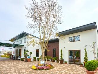 創作イタリアンレストラン&ベーカリーカフェ/株式会社フローラ企画