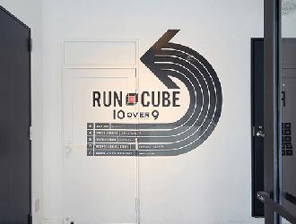 10 OVER 9 RUN CUBE 錦町 テン・オーバー・ナイン ランキューブ 錦町