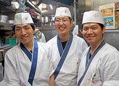 渋谷 鳥竹総本店/株式会社 鳥竹 求人 接客や料理が好きなら、経験が浅くてもOK!飲食業のアルバイト経験も活かせますよ!