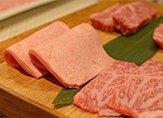 株式会社ピューターズ 求人 ▲「お店で食べたお肉が美味しすぎたから!」という理由で入社したスタッフも多数!未経験者も大歓迎します!
