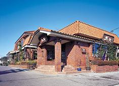 焼肉レストラン太陽 求人 国道128号線沿いにある茂原店。広い駐車場もあるので、車やバイクでの通勤も大丈夫です。