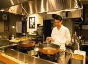 「天ぷらと寿司ミコ」「古民家キッチンJLIO」/株式会社エンジョイライフ 求人 料理長の渡辺。経験に合わせてしっかり教えますのでご安心ください!