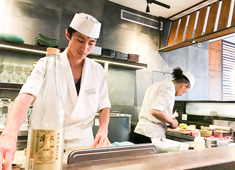 Brickny Europe ラーメン・和食・居酒屋・カフェ・洋食などなど経験者はオールジャンルOK!今までも色んな経験を持った日本人が入社!