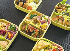 株式会社アポルテフードファクトリー 私立保育園や小学校、インターナショナルスクールなど、子ども向け手作りのおいしいお弁当給食で成長中!