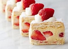 ラ・セーヌ 株式会社/巴裡 小川軒 お菓子に合った旬のフルーツを日本全国から調達しています。