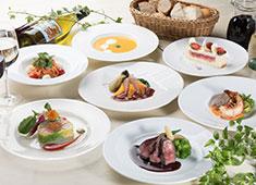 Top of side/株式会社 ハーツ・メイト 立食・ブッフェ・着席・盛合・コーススタイルを基本に、テーブルセッティングをお客様の好みに応じて演出します。