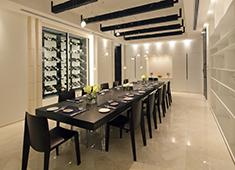 フィールズジュニア株式会社 毎回違った感動が味わえるレストランとして多くのお客様にご利用いただいています。
