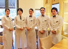 八芳園 20代のスタッフが多数活躍しています!