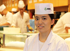 株式会社 梅丘寿司の美登利総本店 女性職人も活躍中!お客様を笑顔にする仕事を一緒にしていきましょう!