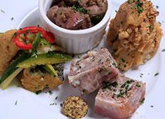 株式会社夢屋 求人 お料理、空間、スタッフ、全てでお客様をおもてなし。