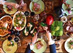 株式会社ファンゴー/「GRANNY SMITH APPLE PIE & COFFEE」「CAFE FUNGO」「CROSSROAD BAKERY」 求人 レストランでは一流店にも負けない食材を使ったクオリティ高い料理を提供。街場のレストラン出身者も多数在籍!