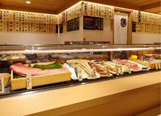 「寿司・和食 魚がし日本一 」「和食 青ゆず寅」「青柚子」/株式会社にっぱん 求人 市場からの直接仕入による圧倒的な商品力で、楽しく、無理なく働ける、しっかり休める充実の環境や好条件を実現しています