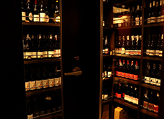 Cellar Fête(セラフェ)/ル セヴェロ ジャポン株式会社 求人 一組…一瞬に集中できる雰囲気も当店ならでは!本物のみを揃え、提供しています。