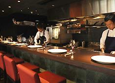 Cellar Fête(セラフェ)/ル セヴェロ ジャポン株式会社 求人 まかないは毎日16時頃から全員で!洋食、ハンバーグ、ラーメン…等、多種多様な絶品料理がテーブルに並びます!