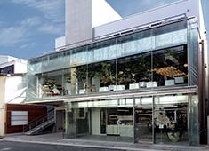 株式会社リベルテ オープンしたばかりの新しい店舗です。一緒にお店をつくっていきましょう!