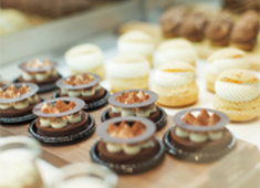 WHITE GLASS COFFEE ROASTER(ホワイトグラスコーヒーロースター)/株式会社 ロイヤル・アーツ 求人 全てが手作り!今までの経験を生かしてメニュー開発が出来ます!
