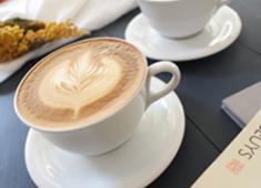WHITE GLASS COFFEE ROASTER(ホワイトグラスコーヒーロースター)/株式会社 ロイヤル・アーツ 求人 ラテアートなどもすべてお任せ! みんなで立ち上げを成功させましょう!