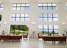 際コーポレーション 株式会社 ※写真は現在当社が運営する「五島列島リゾートホテル MARGHERITA」。島の反対側に新たなホテルを建築中です。