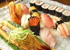 東鮨・本店 海のない埼玉でも海を感じられる。と好評の繁盛店です。