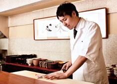銀座 うち山 求人 「銀座 くどう」の工藤淳也です!調理経験をお持ちの方で、これから和食を本格的に学んでいきたい方はぜひ!