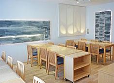 株式会社 魚久(うおきゅう) 求人 落ち着いた空間でアラカルト~季節のコース料理までこだわりの料理を提供しています。