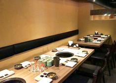 株式会社ダイゴインターナショナル ★予約・貸切り専用ブランド「肉と日本酒」肉も日本酒も、その日の仕入れた厳選の銘柄をお客様に楽しんで頂く専門店です。