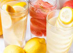 株式会社シーエークルース 料理を引き立たせるドリンクにもこだわりあり!レモンサワーだけで8種類と横浜最多の品揃え。鶏料理の為のワインも厳選!