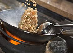 株式会社フードリーム(ヴィア・ホールディングス) 中華料理の経験者を歓迎&優遇しています。メニュー考案など、自由度の高さも魅力です。