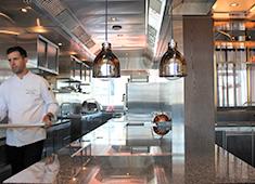 株式会社オンワードホールディングス 広い厨房があなたの今後の職場となります!