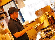 株式会社PROUD商事 居酒屋から韓国・タイ料理等、幅広い業態を展開している当社だからこそ、チャンスに溢れています。