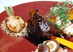レストラン ミッシェル ナカジマ クラシックなフレンチをベースに、地元食材をふんだんに使用してさらに洗練された料理に仕上げています。