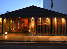 よね蔵グループ 日本一酒蔵が多い新潟県内で複数店舗展開してる当店だからこそ、新潟の珍しい地酒を関東でも提供することが可能です。