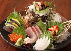 能登美 -NO-TO-MI- 求人 能登七尾漁港より空輸される新鮮魚介の数々