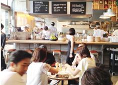 株式会社ダブリューズカンパニー オープンキッチンのお店が多く、キッチンスタッフはやりがい十分!お客様のダイレクトな反応を楽しめます!