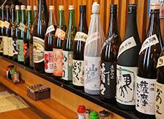 鳥市 一品料理に合う、日本酒や焼酎も豊富に揃えています。