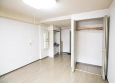炭火焼肉 CHARCOAL 恵比寿駅から徒歩1分のワンルーム寮。風呂・トイレ・収納があり、さらにはネットも使える環境!