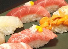 祭ずし 素材が抜群なのは当たり前。素材を活かした調理法で鮨だけでなく様々な一品料理を提供しています。