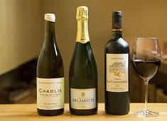 鳥よし/宮新/北野 求人 料理に合うお酒は日本酒だけでなく、ワインもアイテム数豊富に取り揃えています。
