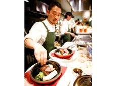 EVER BREW株式会社(ブッチャーリパブリック 新店開業準備室) 求人 格之進 黒毛和牛門崎熟成肉や東京Xを一頭買い。ノウハウ学べます。各店シェフがメニューを考案。店ごとに個性が出ます。