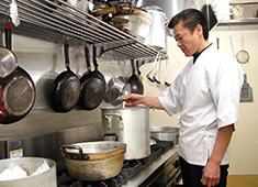 「焼肉 おくう」/株式会社 おくう 求人 おいしい料理が、たくさんのお客様の笑顔を生み出します。神奈川エリアから当社ブランドを成長させ広めていきましょう!