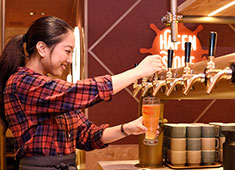 SCHMATZ(シュマッツ)/カイザーキッチン株式会社 求人 居酒屋などの異業態からの転職者が多数の当社。あなたの新しいキャリアのスタートを応援します!