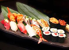 「岩佐寿し」「つきじ丼匠」、他 求人 上質な素材と確かな技術で、正統派江戸前寿司を提供!