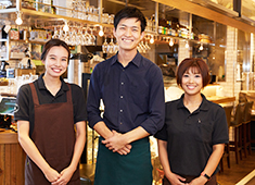 Tokyo Rice Wine/株式会社ニコカンパニー 求人 みんなが笑顔で、のびのび働ける会社です!若手スタッフも多数活躍しています◎