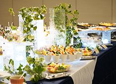 株式会社 アポルテフードファクトリー 求人 華やかな料理で感動を提供。お客様の「美味しい!」の声に喜びとやりがいを持ち常に成長していきたい方を募集!