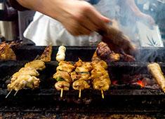 渋谷 鳥竹総本店/株式会社 鳥竹 求人 焼鳥や和食店での経験があれば、焼き場に早い段階で立っていただくこともあります。経験を活かせるお店です。